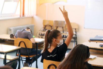 BLAŽA KLINIČKA SLIKA Korona virusom do sada zaraženo 1.012 djece i tinejdžera u Srpskoj