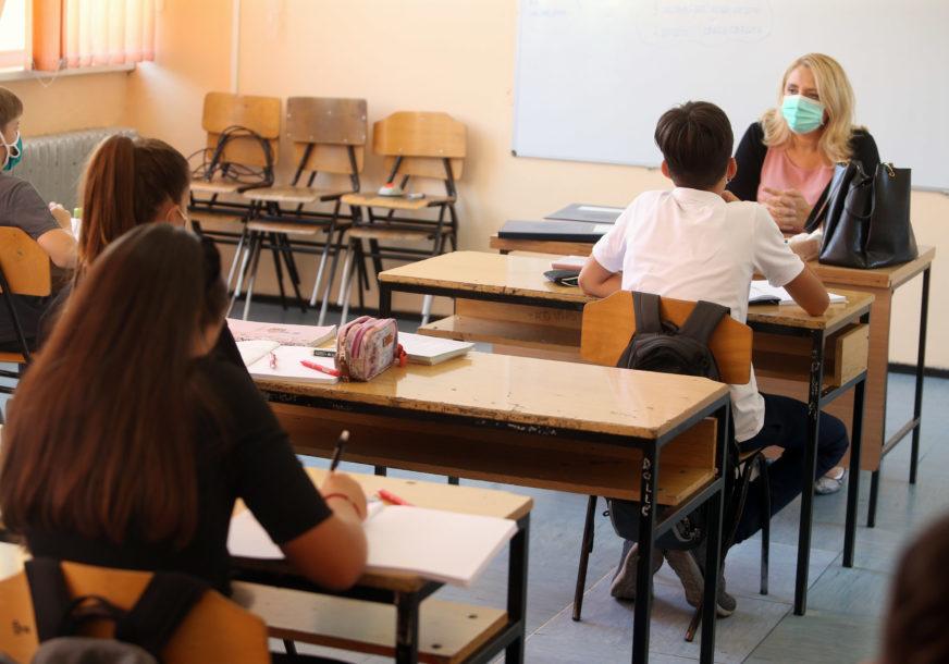 SVE VIŠE ZARAŽENE DJECE Za dan korona virus otkriven kod 12 osnovaca i 23 srednjoškolca u Srpskoj