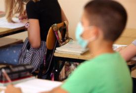 ZARAŽENO 211 DJECE I TINEJDŽERA Nije potvrđeno da se korona širi u školama