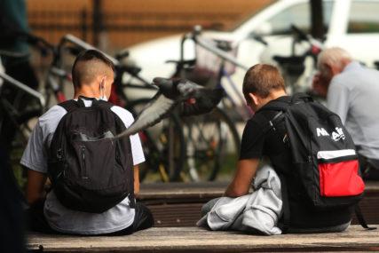 VIRUS IMALO TRI ODSTO SREDNJOŠKOLACA Od korone u ovoj godini zaraženo 2.214 učenika