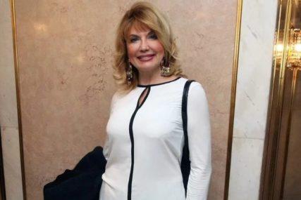 """Suzana Mančić boravi u Grčkoj, a žali se """"Niti volim more, nit' vrućinu, najradije bih na neki glečer"""""""