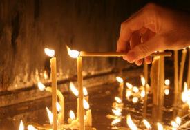 POŽAR U CRKVI Vatra buknula na mjestu gdje se pale svijeće, vatrogasci brzo reagovali