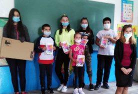 RAČUNARI ZA PODRUČNU ŠKOLU Vrijedna donacija za učenike u Lastvi