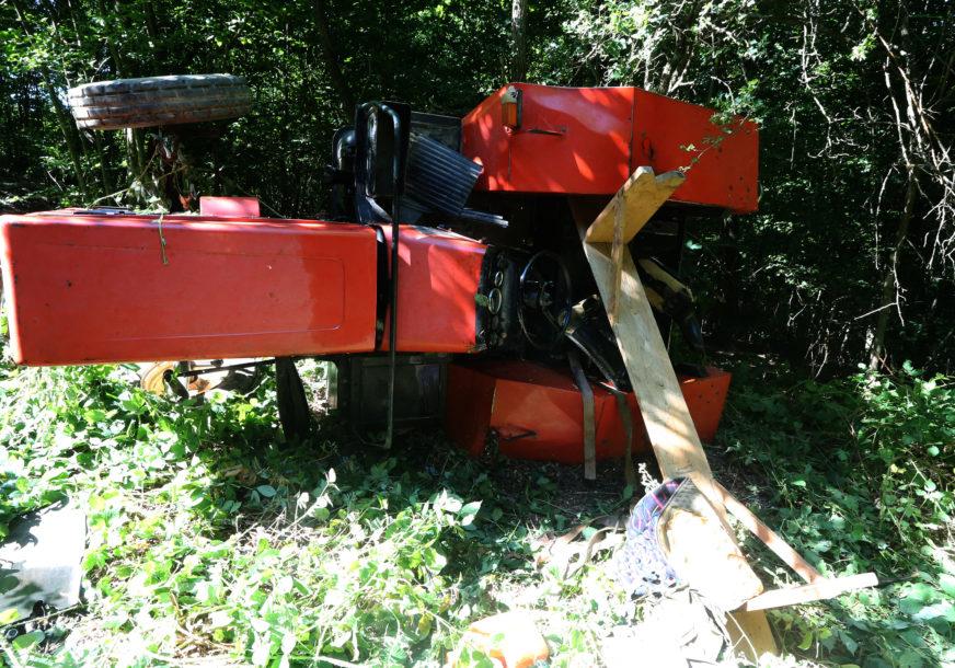TRAGEDIJA Poginuli otac i sin uslijed prevrtanja traktora