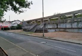 UMJESTO SMEĆA PARKING Uklonjena divlja deponija kod škole
