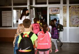 HUMANOST NA DJELU Banjalučki Crveni krst pripremio školski pribor za đake