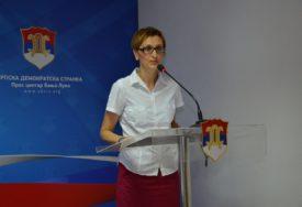 """""""PROLONGIRATI UVOĐENJE ELEKTRONSKIH DNEVNIKA""""Adamovićeva o nastavi za vrijeme pandemije"""