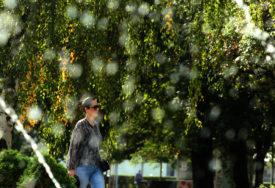 JESEN IPAK TRAŽI KIŠOBRANE Pretežno sunčano i toplo uz mogućnost LOKALNIH PLJUSKOVA