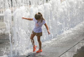 LJETNE TEMPERATURE NAREDNIH DANA Pripremite se za vruć vikend, temperatura SKAČE DO 33 STEPENA
