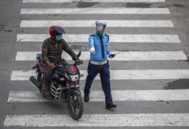 IZVODILI AKROBACIJE BEZ OPREME Uhapšena grupa motorciklista