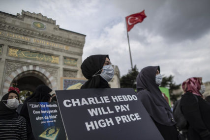 ŠARLI EBDO U ŽIŽI JAVNOSTI Protesti zbog ponovnog objavljivanja karikatura Muhameda