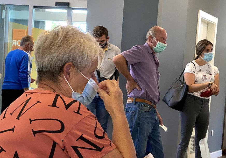 ZABRINJAVAJUĆE STANJE U KOMŠILUKU U Zagrebu 705 novih slučajeva zaraze korona virusom
