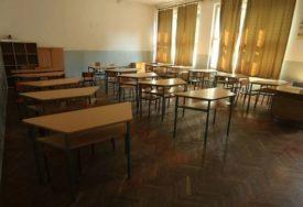 INSPEKCIJA ZATVORILA UČIONICU Direktorka škole se oglasila o POVREDAMA koje je zadobila djevojčica