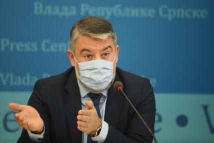"""""""OČEKUJEMO 400.000 DOZA"""" Šeranić poručio da je to dovoljno za vakcinisanje 200.000 ljudi, što je bila preporuka SZO"""