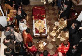 OPROŠTAJ OD AMFILOHIJA Episkop Joanikije služio pomen u Cetinjskom manastiru, na bdenju i mandatar Krivokapić