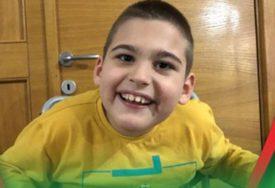 BORA (9) SE BORI DA STANE NA NOGE Ovaj hrabri dječak treba našu pomoć