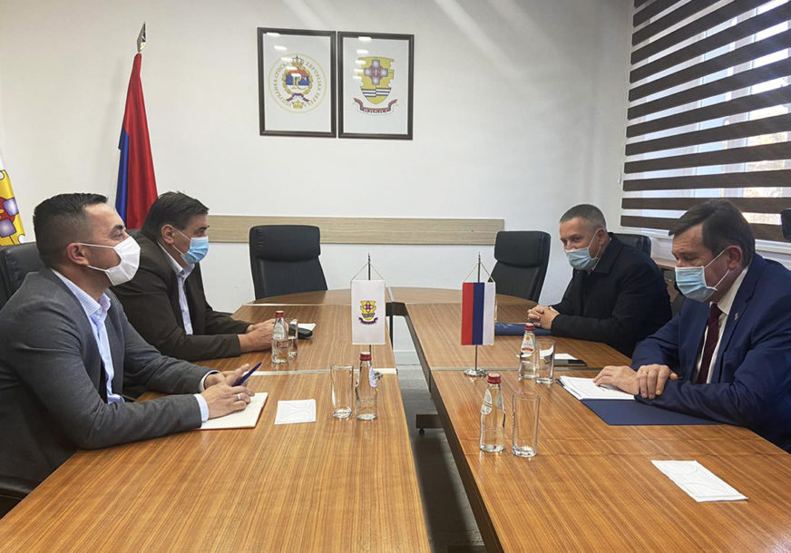 PROJEKTI ZA NOVU PERSPEKTIVU DOBOJA Jerinić i Mitrović ukazali na značaj infrastrukturnog razvoja (FOTO)