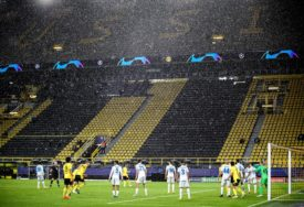 PREDSTAVILI SE KAO NOVINARI Navijači Zenita ušli na stadion u Dortmundu (FOTO)