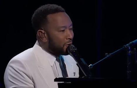 NIKO NIJE OSTAO RAVNODUŠAN Pjevač i njegova supruga izgubili su bebu, a onda je on uradio nešto čime je GANUO SVE