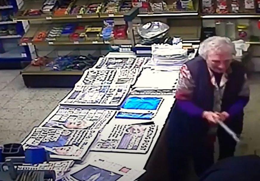 NAGRADA ZA HRABROST Osamdesetogodišnja baka pretukla pljačkaša, kamera sve snimila (VIDEO)