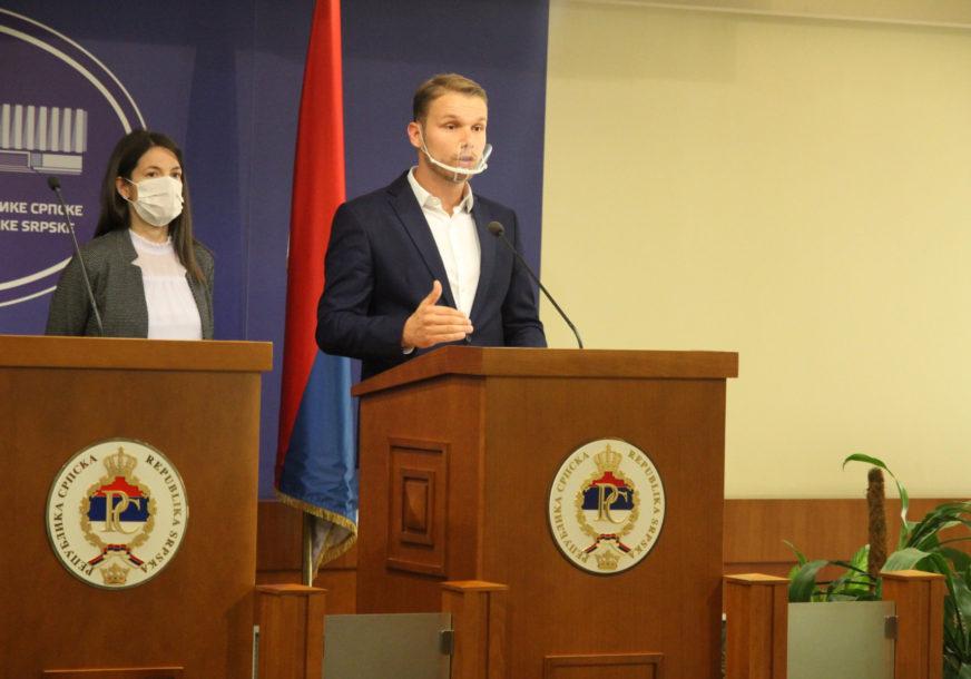 """STANIVUKOVIĆ I TRIVIĆ O NOVIM MJERAMA """"U školama su najviše poštovali propise, a oni su ih zatvorili"""""""