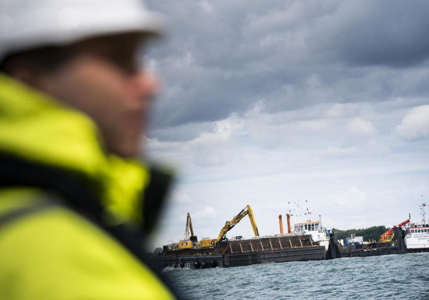 RADOVI NA NAJDUŽEM PODVODNOM TUNELU Spuštaće se 40 metara ispod mora, a imaće DVA AUTO-PUTA I DVIJE PRUGE