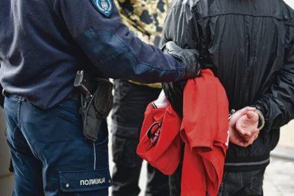 UHAPŠEN LOPOV U TUZLI Ukradnim automobilom sletio s ceste