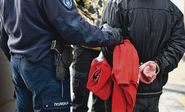 ZBOG IZNUDE IZA REŠETAKA Policija uhapsila četiri muškarca