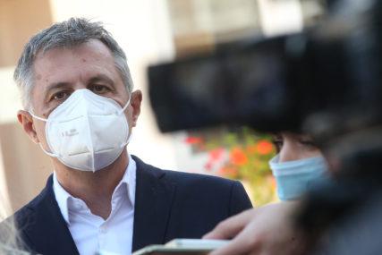 """RADOJIČIĆ APELUJE NA POŠTOVANJE MJERA """"U naredna dva dana očekuje se 1.500 pozitivnih u Banjaluci"""""""