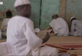 """""""KOŽA IM POSLIJE ŠIBANJA BILA OLJUŠTENA"""" Zavirite u islamske škole u kojoj djecu drže u lancima i tuku (VIDEO)"""