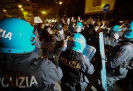 GRAĐANI NA ULICAMA Italija ograničava rad kafića, zatvara teretane, bioskope i bazene