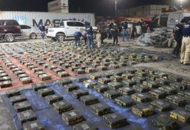 DROGA OTKRIVENA U KONTEJNERU S UGLJEM Oduzet kokain vrijedan 500 MILIONA DOLARA