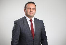 """""""Volim jednu ženu, SNSD i Milorada"""" Ljubiša Ćosić odgovorio na prozivke"""