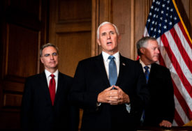 JEDAN OD SCENARIJA Potpredsjednik Majk Pens bi mogao da postane privremeni predsjednik SAD