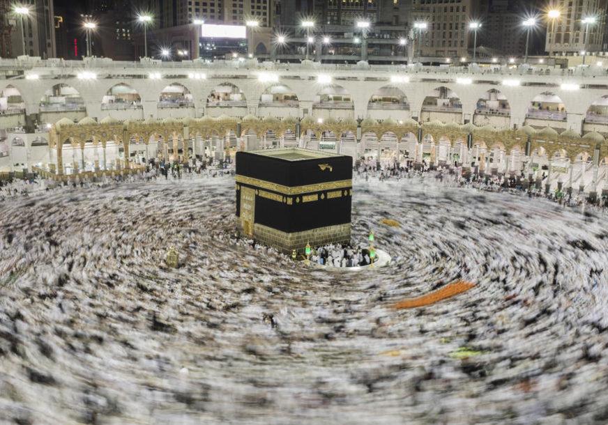 PRVI PUT NAKON SEDAM MJESECI PAUZE Saudijske vlasti dozvolile molitve u Meki