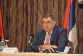 UČENICI OD PONEDJELJKA U ŠKOLAMA Dodik: Đaci treba da se vrate u svoje učionice