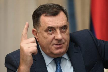 """""""Ja sam samo hipotetički odgovarao"""" Dodik poručio da čvrsto stoji na poziciji da je 9. januar Dan Republike Srpske"""