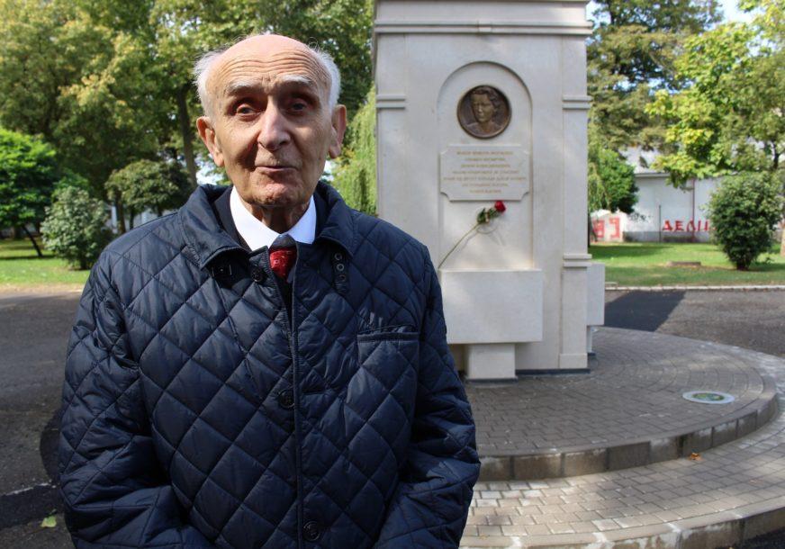 """""""DA SE ZLO NE PONOVI""""  Milutin (87) iz sela kod Gradiške preživio je Jasenovac, imao je sedam godina"""