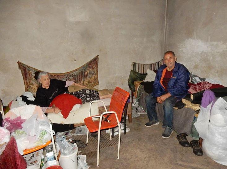 Rat ih je sa Kosova doveo u Leskovac, a tu ih sačekala bijeda, bolest i život u ZGRADI STRAVE bez struje i vode (FOTO)