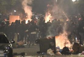 ITALIJA NA NOGAMA ZBOG KORONE Neredi u Napulju nakon što je uveden policijski čas