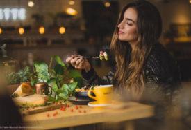 Da li se hrana lijepi za vas?