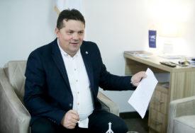 UPUTIO OTVORENO PISMO Stevandić traži pomoć od Satlera da BiH dobije vakcine koje je unaprijed platila