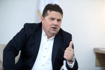 """""""OTVORILI SU PANDORINU KUTIJU"""" Stevandić se obrušio na Komšića i Džaferovića"""