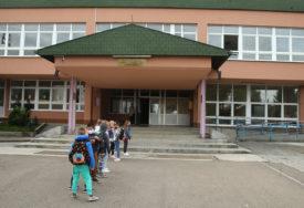 KORONOM ZARAŽENA DVA NASTAVNIKA Više zaposlenih u banjalučkoj osnovnoj školi U IZOLACIJI