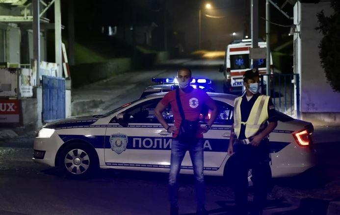ISPALJENA TRI PROJEKTILA U AUTO Policija traga za napadačem, nema povrijeđenih