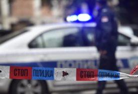 POLICIJA NA NOGAMA Djevojka se popela na krov Predsjedništva Srbije