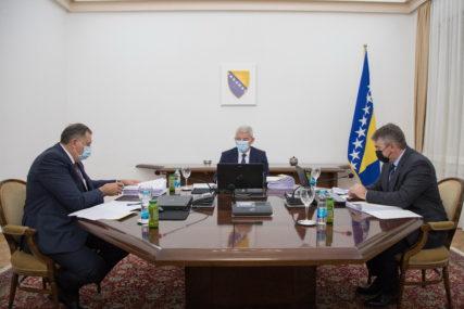 Dodika žele da PROGLASE NESPOSOBNIM: Može li Ustavni sud BiH da udalji srpskog člana iz Predsjedništva