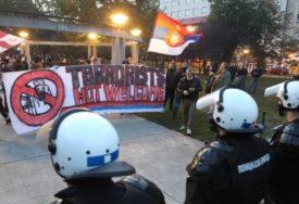 NAPETO U BEOGRADU Ekstremni desničari najavili NARODNE PATROLE protiv migranata (FOTO)