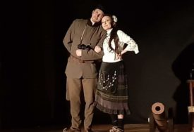 BEZ SVEČANE DODJELE, ALI S MNOGO POZITIVNE ENERGIJE Završen Festival omladinskih pozorišta Republike Srpske