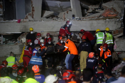 PARČE SREĆE U VELIKOJ TRAGEDIJI Tri dana nakon razornog zemljotresa ispod ruševina spasena još dva djeteta